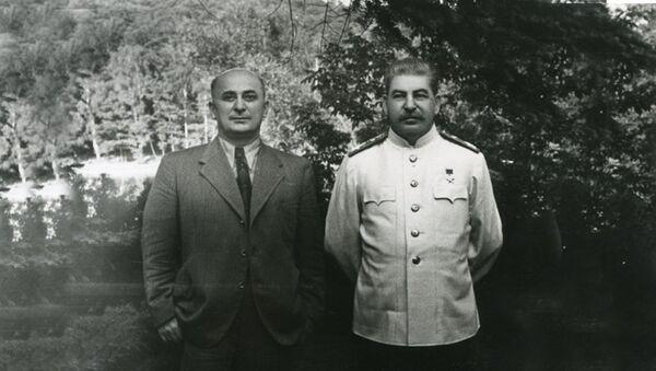 Lavrentij Berija I Josif Staljin - Sputnik Srbija