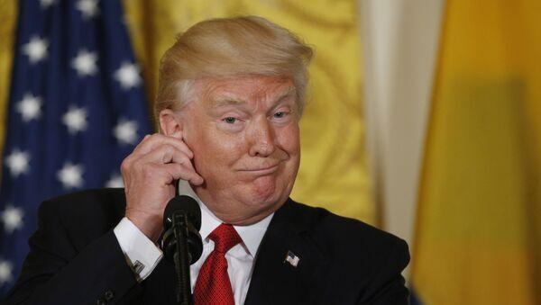 Председник САД Доналд Трамп током заједничке конференције за медије након састанка са колумбијским председником Хуаном Мануелом Сантосем - Sputnik Србија