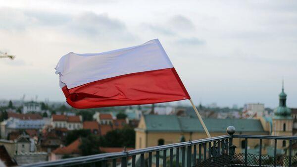 Застава пољске на згради у Варшави - Sputnik Србија