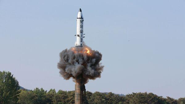 """Севернокорејска балистичка ракета земља—земља """"пукгуксонг 2"""" - Sputnik Србија"""
