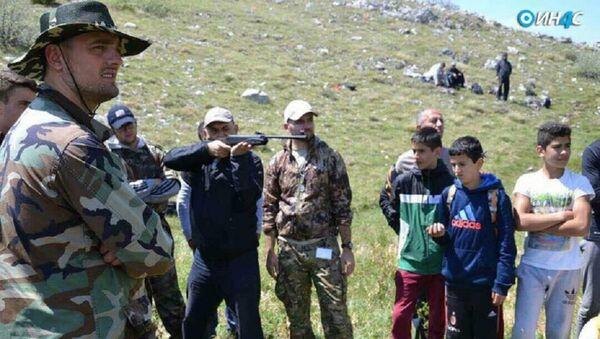 Uniformisani i naoružani Albanci okupirali Rumiju na Dan nezavisnosti Crne Gore - Sputnik Srbija