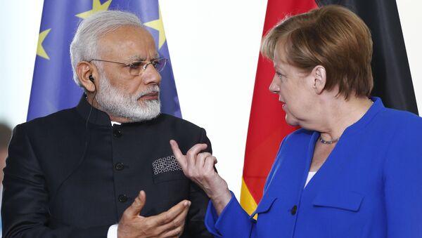 Premijer Indije Narendo Modi i kancelarka Nemačke Angela Merkel - Sputnik Srbija