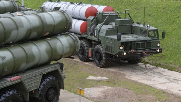 S-400 Triumf anti-aircraft weapon systems during combat duty drills of the surface to air-misile regiment in the Moscow Region. - Sputnik Srbija