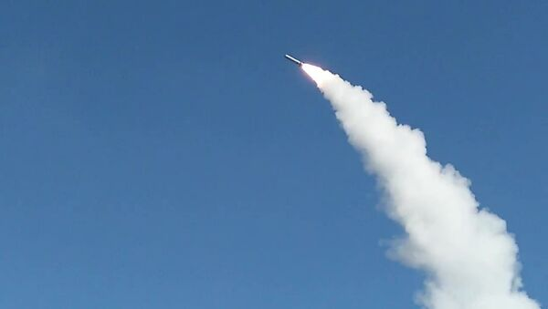Boevoй pusk raketы iz kompleksa Iskander-M na poligone Kapustin Яr v Astrahanskoй oblasti - Sputnik Srbija