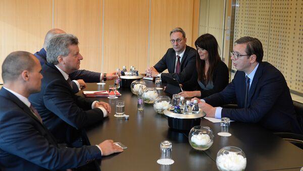 Aleksandar Vučić i Đorđe Ivanov na sastanku u Brdu kod Kranja - Sputnik Srbija