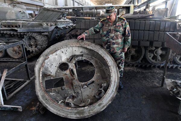 Помоћ са домаћег фронта: Где сиријски тенкови добијају нови живот - Sputnik Србија