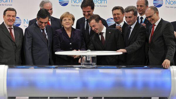 Церемонија покретања гасовода Северни ток 2011. године - Sputnik Србија