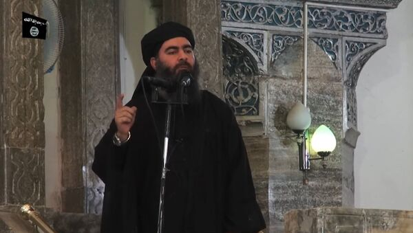 Vođa terorističke grupe DAEŠ Abu Bakr el Bagdadi obraća se muslimanima u džamiji u Mosulu - Sputnik Srbija