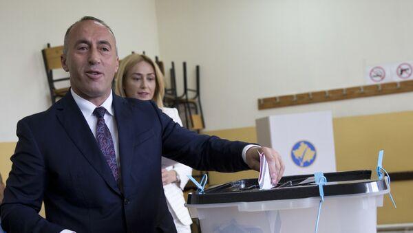 Кандидат за премијера Косова Рамуш Харадинај гласа на бирачком месту у Приштини - Sputnik Србија