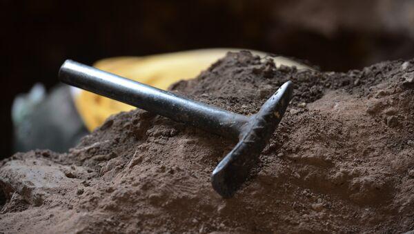 Археолошка алатка на месту ископавања у Копан парку у Хондурасу - Sputnik Србија