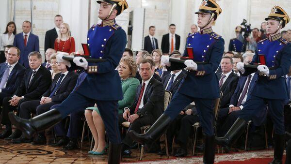 Премијер Русије Дмитриј Медведев на церемонији уручења државних награда за Дан Русије 2016. - Sputnik Србија