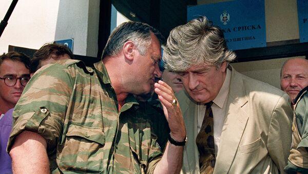 Генерал Ратко Младић и Радован Караџић за време рата у БиХ - Sputnik Србија