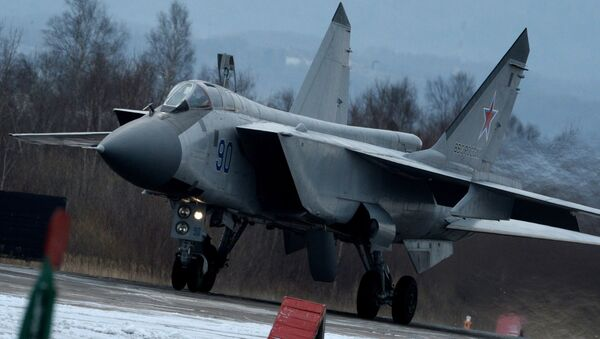 Avion MiG-31 na vojnoj vežbi - Sputnik Srbija