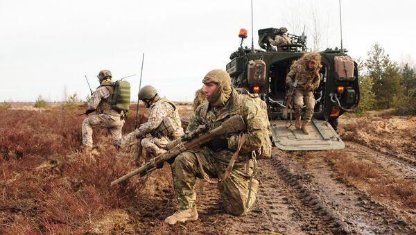 Američki i letonski snajperisti tokom zajedničkih vojnih vežbi u Letoniji - Sputnik Srbija