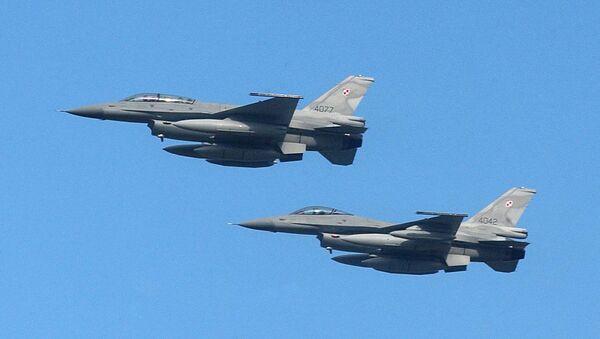Poljski lovci F-16 - Sputnik Srbija