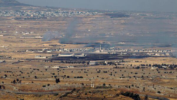 Део Голанске висоравни под контролом Израела, поглед са сиријске стране границе - Sputnik Србија