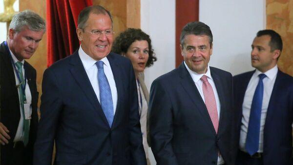Ministri spoljnih poslova Rusije i Nemačke, Sergej Lavrov i Zigmar Gabrijel na konferenciji za medije u Krasnodaru - Sputnik Srbija