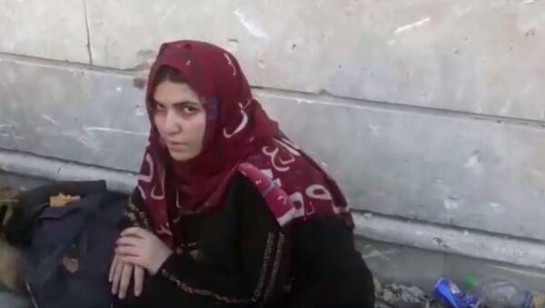 Жена терористе ДАЕШ-а - Sputnik Србија