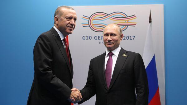 Председник Турске Реџеп Тајип Ердоган и председник Русије Владимир Путин на самиту Г20 у Хамбургу - Sputnik Србија