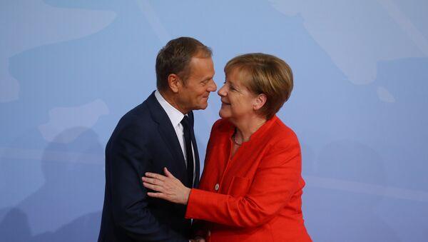 Nemačka kancelarka Angela Merkel i predsednik Evropske komisije Donald Tusk na otvaranju samita G20 u Hamburgu - Sputnik Srbija