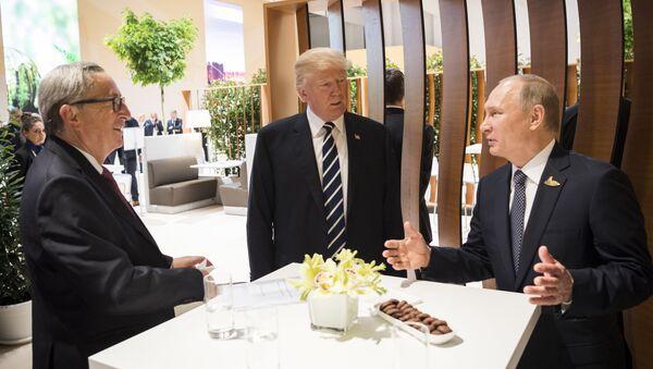 Доналд Трамп и Владимир Путин - Sputnik Србија