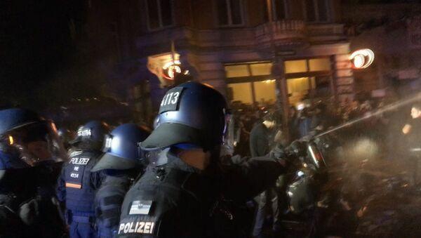 SERBIA_Беспорядки в Гамбурге - Sputnik Србија