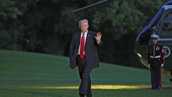 Predsednik SAD Donald Tramp dolazi u Belu kuću nakon povratka iz Hamburga - Sputnik Srbija