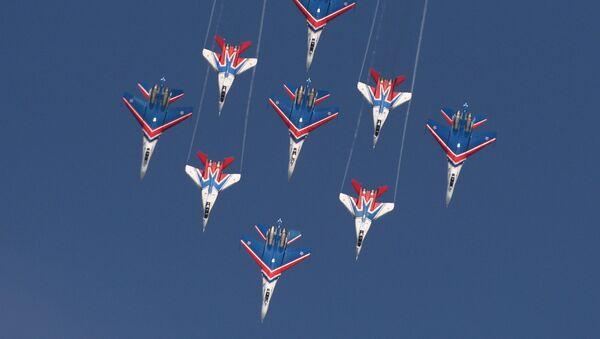"""""""Ruski vitezovi"""", vazduhoplovna grupa pilotske akrobatike Ratnog vazduhoplovstva Rusije. - Sputnik Srbija"""