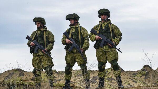 Ruski vojnici tokom vojne vežbe u bazi Opuk na Krimu - Sputnik Srbija