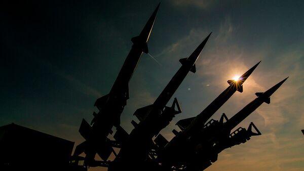 Raketa S-125 Neva M oborila je F-16 iz 555. Eksadrile vazduhoplovnih snaga SAD-a u maju 1999. godine iznad Mačve. Izvori sagovornika Sputnjika Igora Salingera u 250. raketnoj brigadi kažu da je ovaj avion oborila raketa čije je krsno ime bilo Natalija. - Sputnik Srbija
