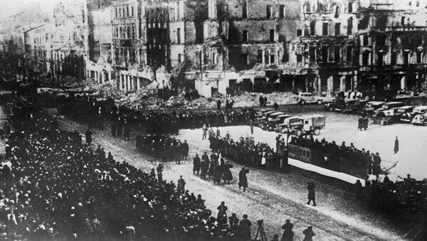 Vojna parada nakon oslobađanja Varšave od fašističke okupacije u Drugom svetskom ratu - Sputnik Srbija
