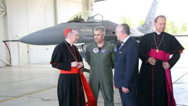 Kardinali u NATO bazi - Sputnik Srbija