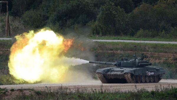 Tenk T-90 tokom vojne vežbe na poligonu Alabino - Sputnik Srbija