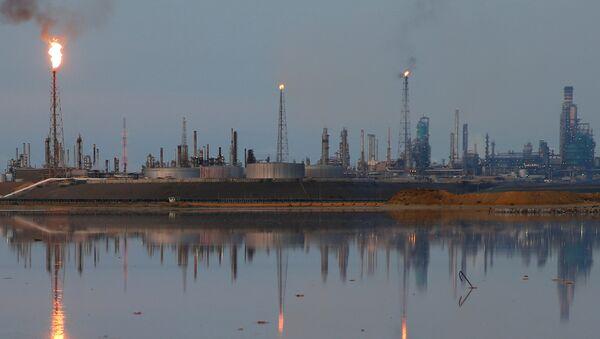 Поглед на рафинерију која припада венецуеланској нафтној компанији ПДВСА у Пунто Фиху - Sputnik Србија