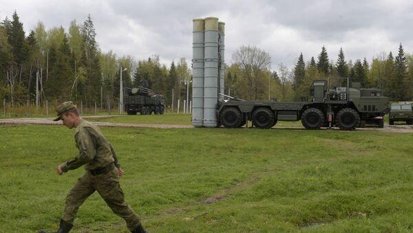 Противваздушни ракетни систем С-400 Тријумф током војних вежби у Московској области - Sputnik Србија