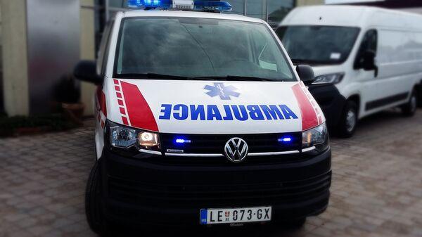 Амбулантна кола која ће бити уручена Дому здравља у Медвеђи. - Sputnik Србија