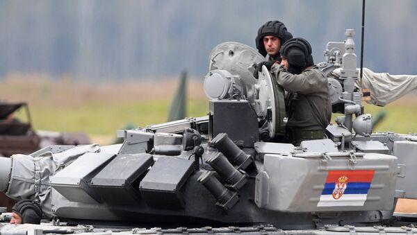 Припадници Војске Србије током прве етапе тенковског биатлона на полигону Алабино у оквиру Војних игара 2017. - Sputnik Србија