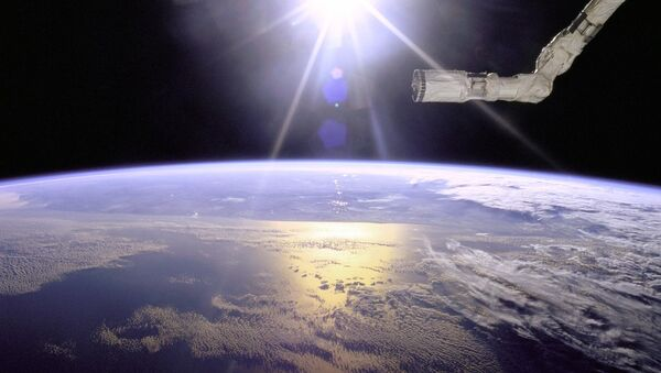 Поглед на планету Земљу са спејс шатла Ендевор - Sputnik Србија