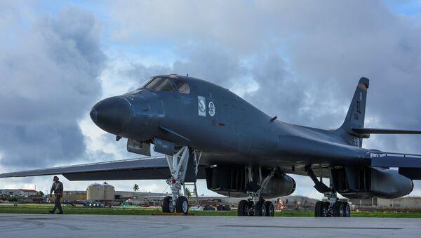 Амерички бомбардер Б1-Б у јапану уочи заједничких војних вежби. - Sputnik Србија