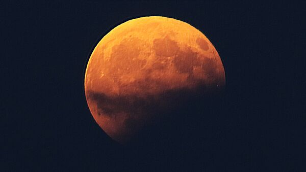 Pomračenje meseca - Sputnik Srbija