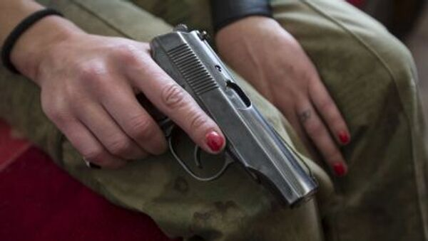 Žena sa pištoljem u Donbasu - Sputnik Srbija