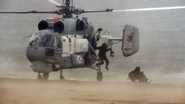 Противподморнички и вишенаменски палубни хеликоптер Камов Ка-27  - Sputnik Србија