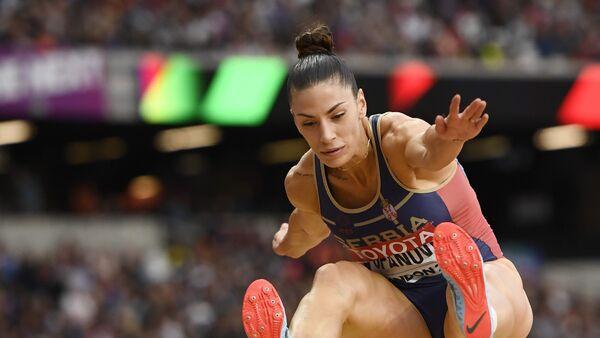 Атлетичарка Ивана Шпановић током скока на такмичењу у Лондону - Sputnik Србија
