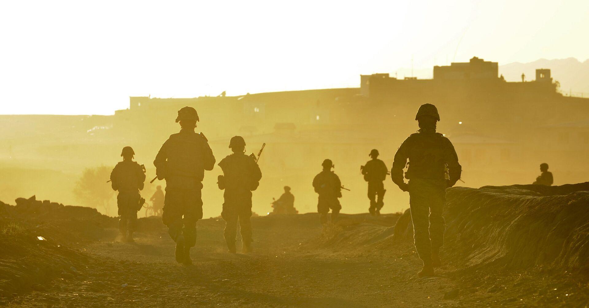 Војници тима Забул враћају се у базу након патроле у авганистанском граду Калат - Sputnik Србија, 1920, 21.08.2021