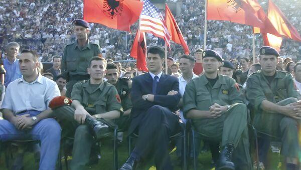 Ramuš Haradinaj i Hašim Tači sa pripadnicima terorističke organizacije OVK - arhivska fotografija - Sputnik Srbija