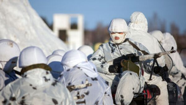 Trening polaznika Arktičkog odreda Dalekoistočne više vojne komandne škole - Sputnik Srbija