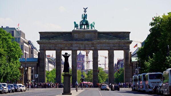 Pogled na Brandemburšku kapiju u Berlinu - Sputnik Srbija