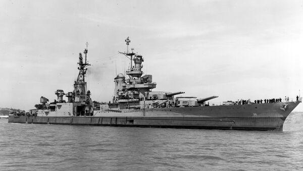 Američka krstarica Indijanopolis u blizini ostrva Nejvi Jard 10. jula 1945. - Sputnik Srbija