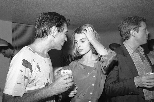 Glumica Nastasija Kinski i direktor i režiser Andrej Končalovski na zabavi u Njujorku 1983. godine. - Sputnik Srbija
