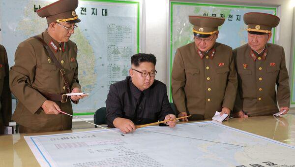 Севернокорејски лидер Ким Џонг Ун током посете Команди стратешких снага Оружаних снага Северне Кореје - Sputnik Србија
